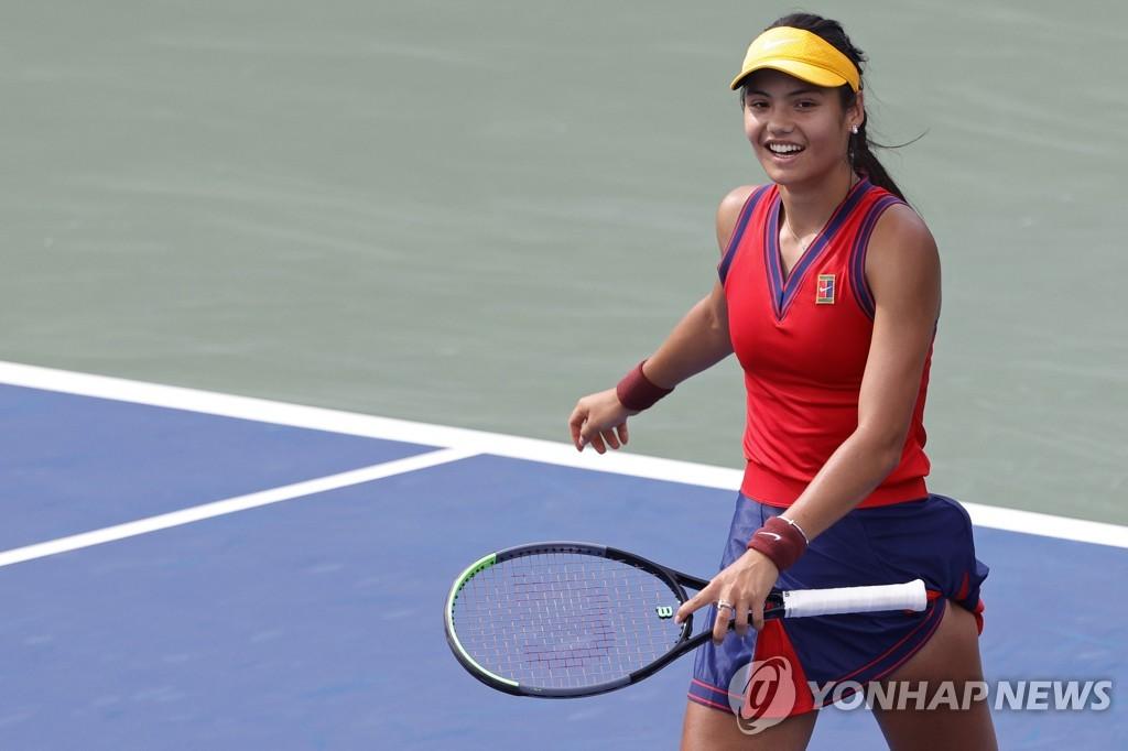 남녀 세계 1위 조코비치·바티, US오픈 테니스 2회전 진출(종합)