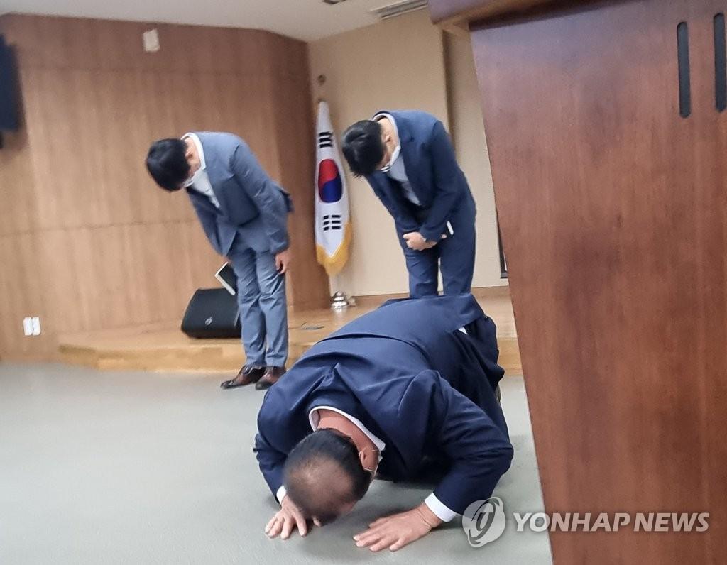 코로나19 집단감염 발생 남창원농협 마트 영업정지 당분간 없다