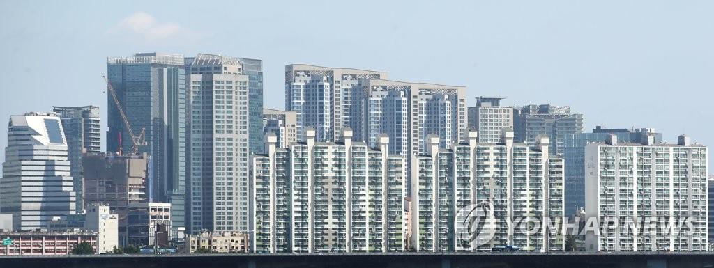 대출·금리로 돈줄 조여도…수도권 아파트값 5주째 0.4%대 상승