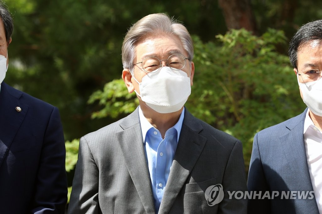 이재명 '與후보 공동대응' 제안…이낙연 고립작전?