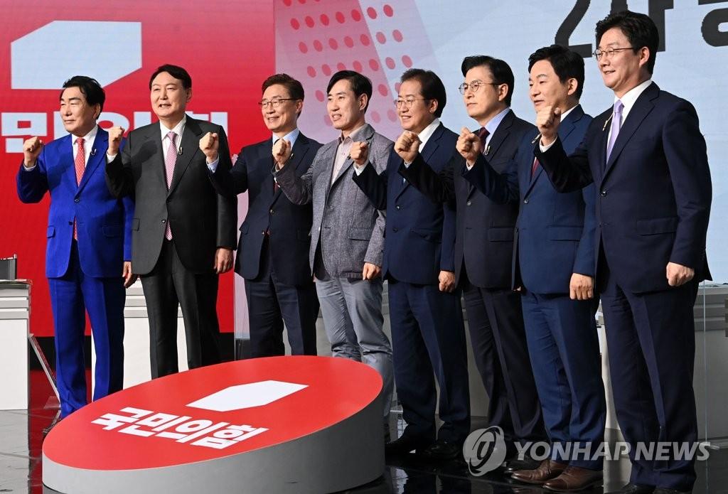 """이번엔 정책 격돌…洪 """"공약 베껴 짬뽕"""" 尹 """"특허라도 있나"""""""