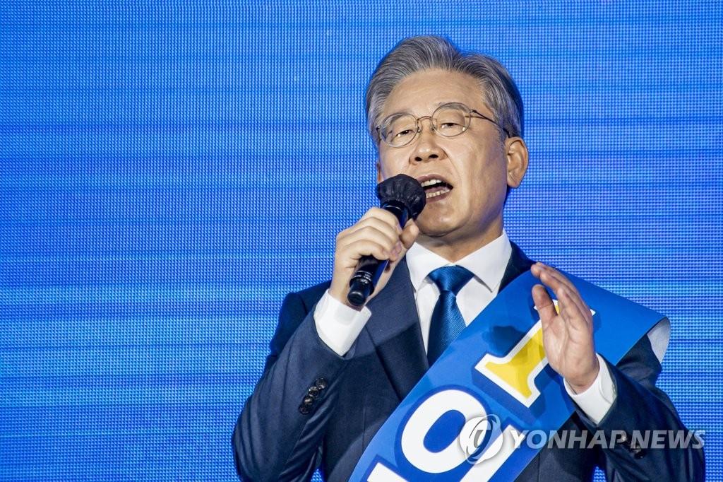 이낙연, '안방' 광주·전남서 첫승…이재명, 누적과반 유지(종합)