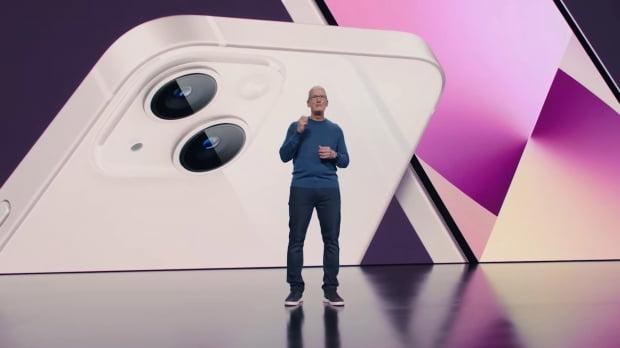 애플이 14일(현지시간) 캘리포니아 쿠퍼티노 애플파크에서 스페셜 애플 이벤트를 통해 아이폰13을 공개했다. /사진=뉴스1