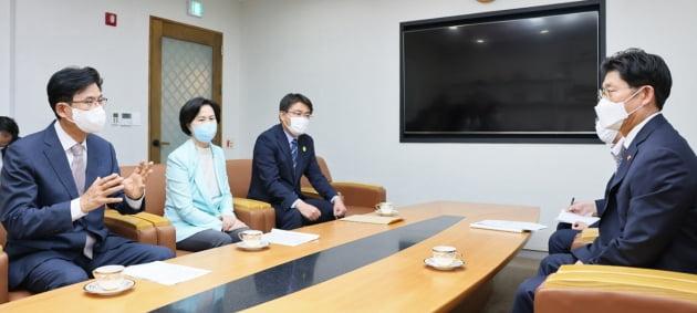 재건축 활성화 위한 건의하는 박성수 송파구청장