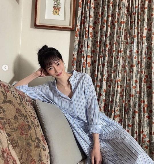 임지연, 셔츠 원피스로 드러낸 반전 섹시美 [TEN★]