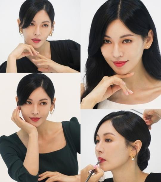 김소연, 여신미 가득한 광고 비하인드 컷 공개