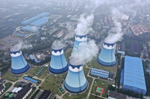 중국, 해외 석탄 발전 사업 중단하고 신재생에너지 강화