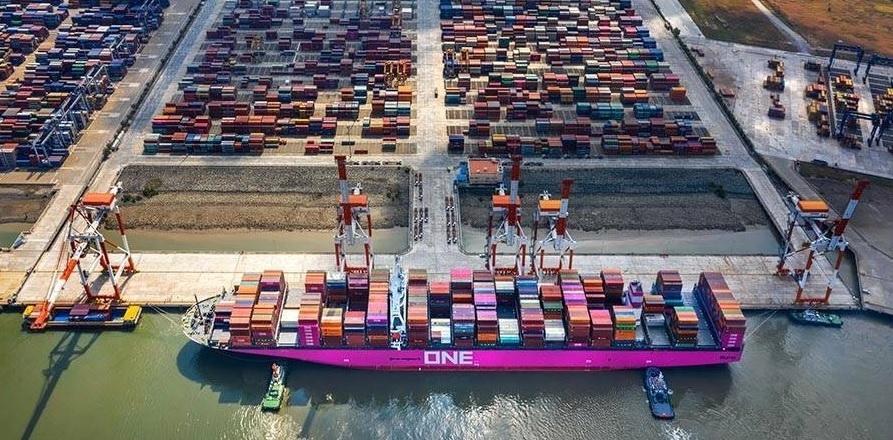 """베트남 총리 """"올해 수출 11% 늘리고 물가 4%이내로 억제""""[KVINA]"""