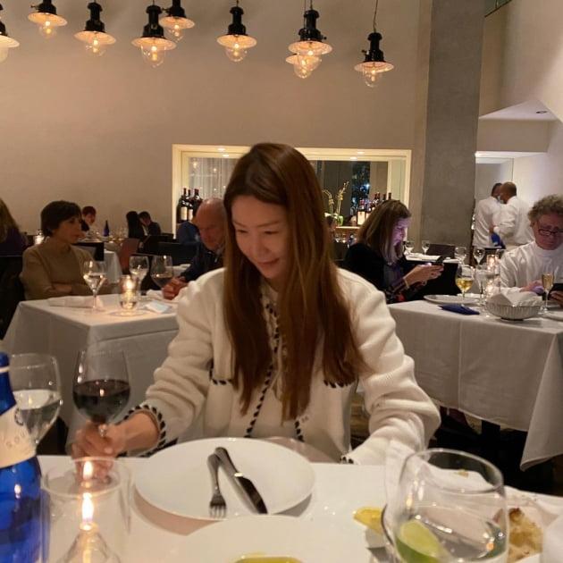 '뉴욕行' 김정은, ♥재미교포 남편과 데이트갔나…파인다이닝서 코스 요리 [TEN★]
