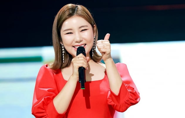 송가인, 트롯스타 7주 연속 압도적 1위…여전히 '가인이어라'