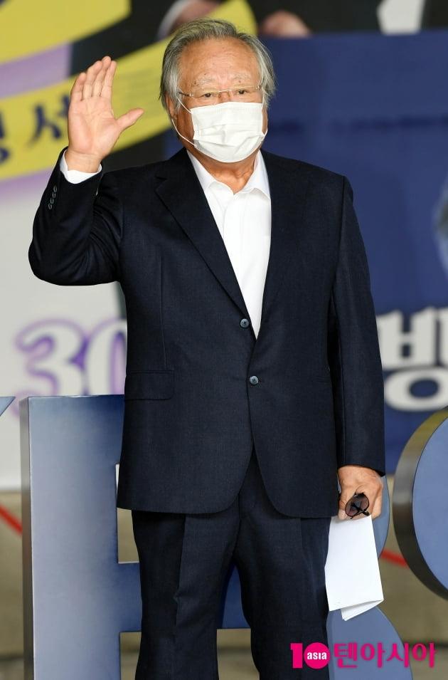 [TEN 포토] 주현 '갓파더 잘 부탁해요'