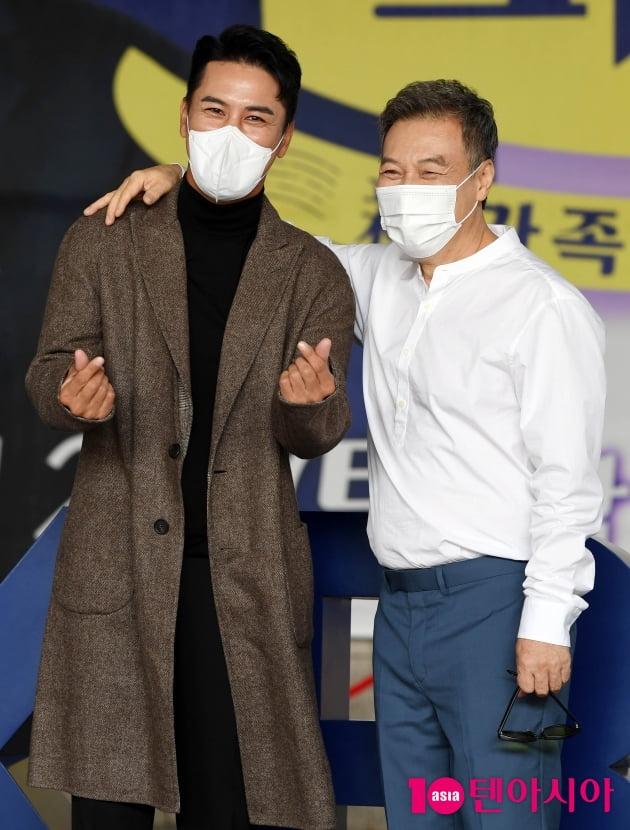 [TEN 포토] 장민호-김갑수 '다정하게'