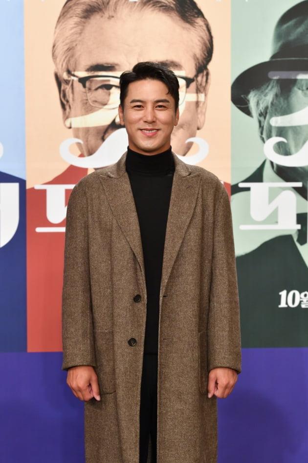 트로트 가수 장민호가 1일 오전 온라인 생중계된 KBS 2TV 새 예능프로그램 '新 가족관계증명서 갓파더' 제작발표회에 참석했다. /사진제공=KBS
