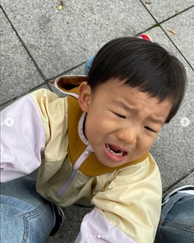 """김성은, ♥정조국에 """"아들 차 한 대 뽑아줘!"""" 만 보 걷는 애셋맘의 푸념 [TEN★]"""