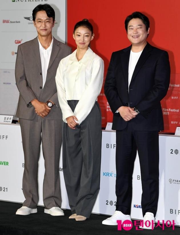 [TEN 포토] 조한철-이엘-임성재 '영화 '행복한 나라로' 첫 포토타임'