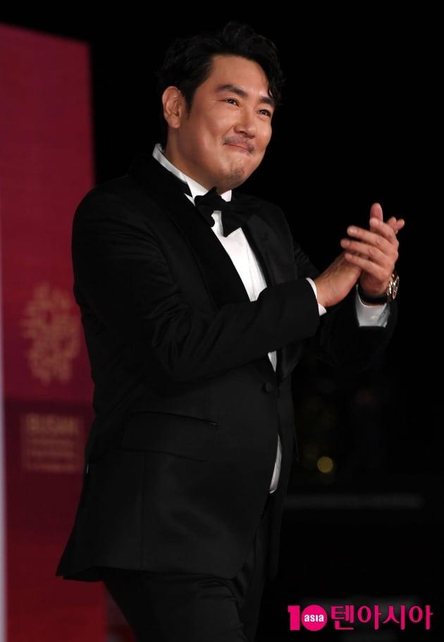 [TEN 포토] 조진웅 '힘찬 파이팅!'(BIFF)