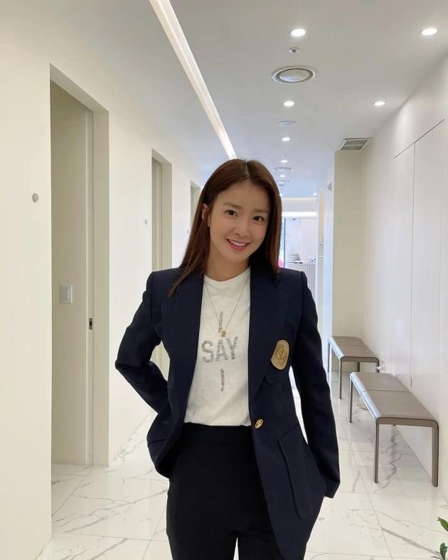 '연매출 25억 사업가♥' 이시영, 청담동 숍에서 치장→'의도된' 자연스러운 워킹 [TEN★]