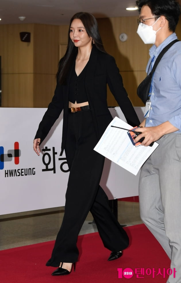 [TEN 포토] 이솜 '올해의 스타상의 발걸음'(부일영화상)