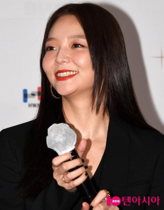 [TEN 포토] 이솜 '열일하는 미모'(부일영화상)