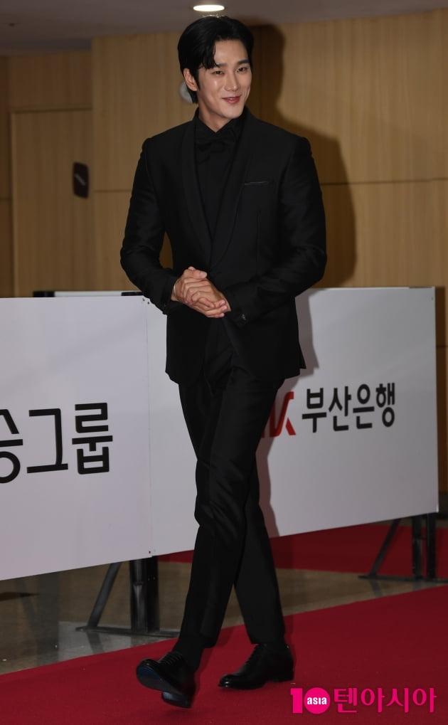 [TEN 포토] 안보현 '마초남의 매력'