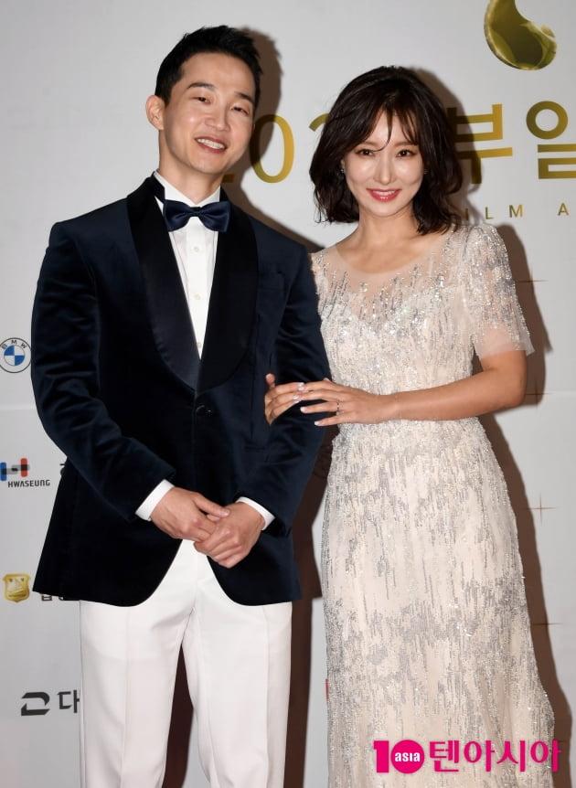 [TEN 포토] 김정현-이인혜 '다정한 부일영화상 2MC'