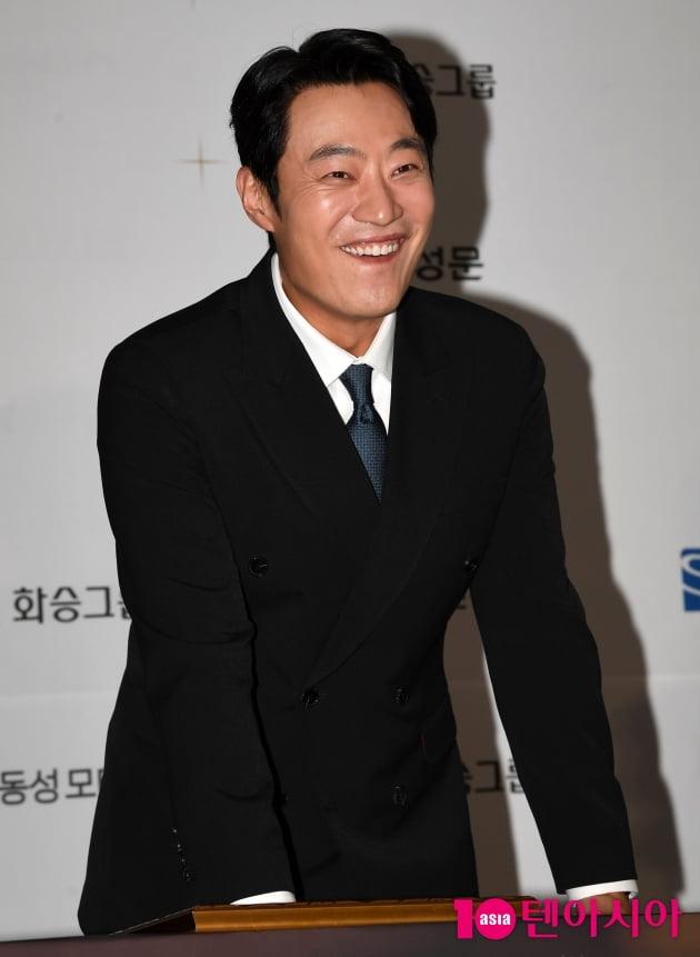 [TEN 포토] 이희준 '기쁨의 핸드프린팅'