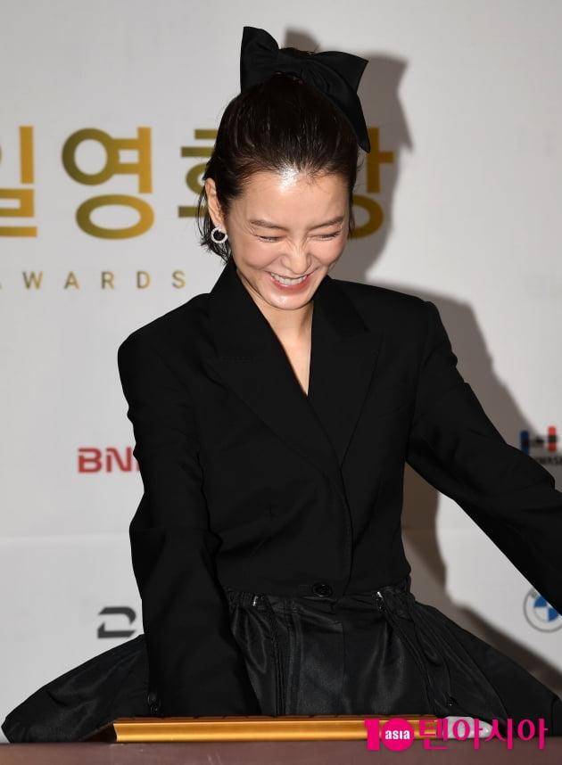 [TEN 포토] 정유미 '핸드프린팅 망친거 같아'