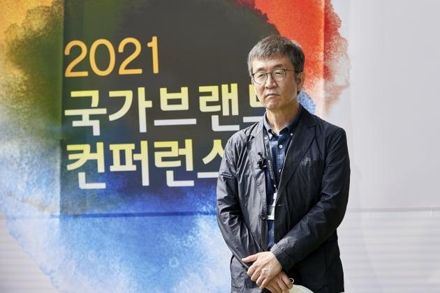 '부산국제영화제'  이용관 이사장(위), 허문영 집행위원장