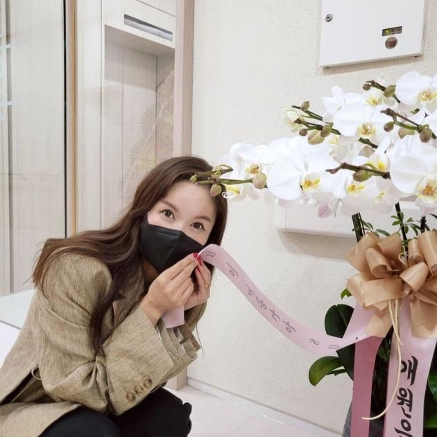 """장영란, ♥한방병원장 사모님 되니 인사 받기 바빠…""""대놓고 홍보"""" 내조까지 [TEN★]"""