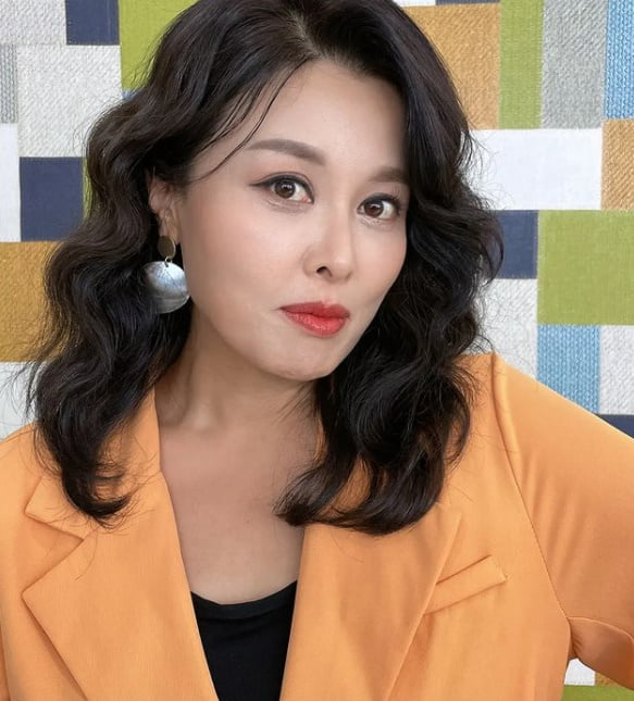 '32kg 감량' 홍지민, 턱선이 예술 [TEN★]