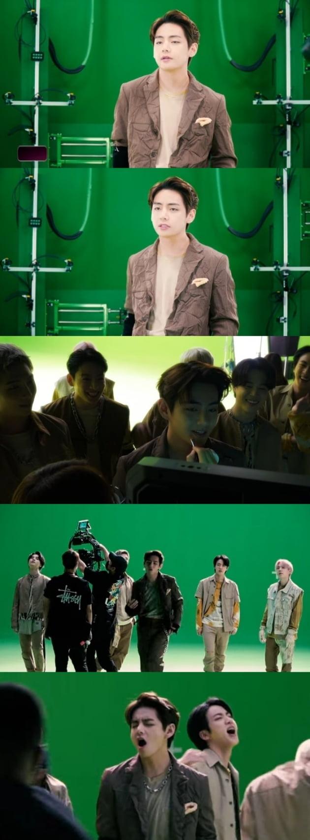 """방탄소년단 뷔, """"환상적인 외모+ 카리스마"""" SF영화 주인공 아우라 뿜뿜...'My Universe' MV 비하인드"""