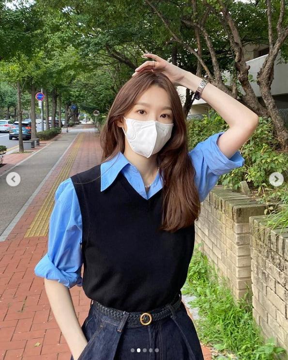 다비치 강민경, 태양아래 반사되는 예쁨...향수 구매로 기분전환[TEN★]