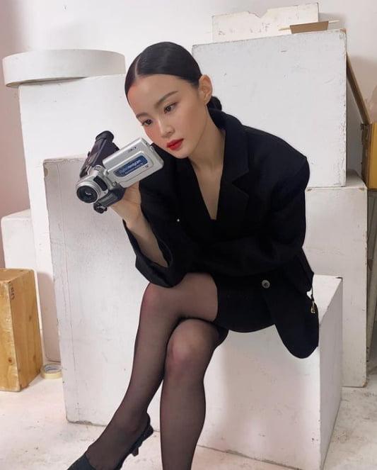 이하이, 26살의 섹시美…강렬한 빨간 립스틱 [TEN★]
