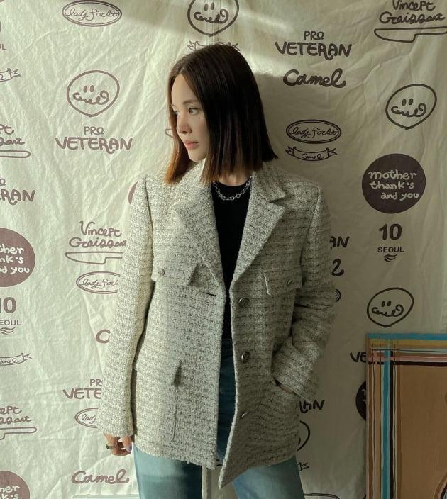 """'49kg' 아이비, """"가을엔 역시 트위드"""" 부해 보일 수 있는 의상도 찰떡 소화 [TEN★]"""