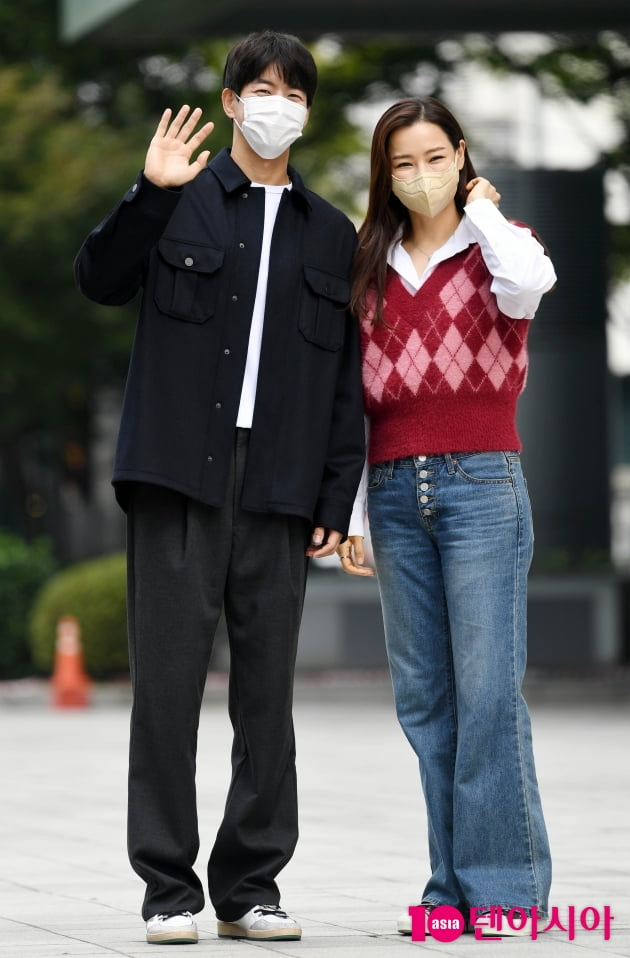 [TEN 포토] 이상윤-이하늬 '빛이 나는 커플'