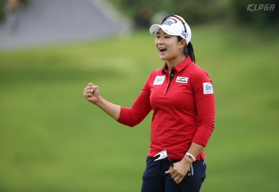 '장타왕' 김아림, 79번째 출전한 대회서 첫 우승